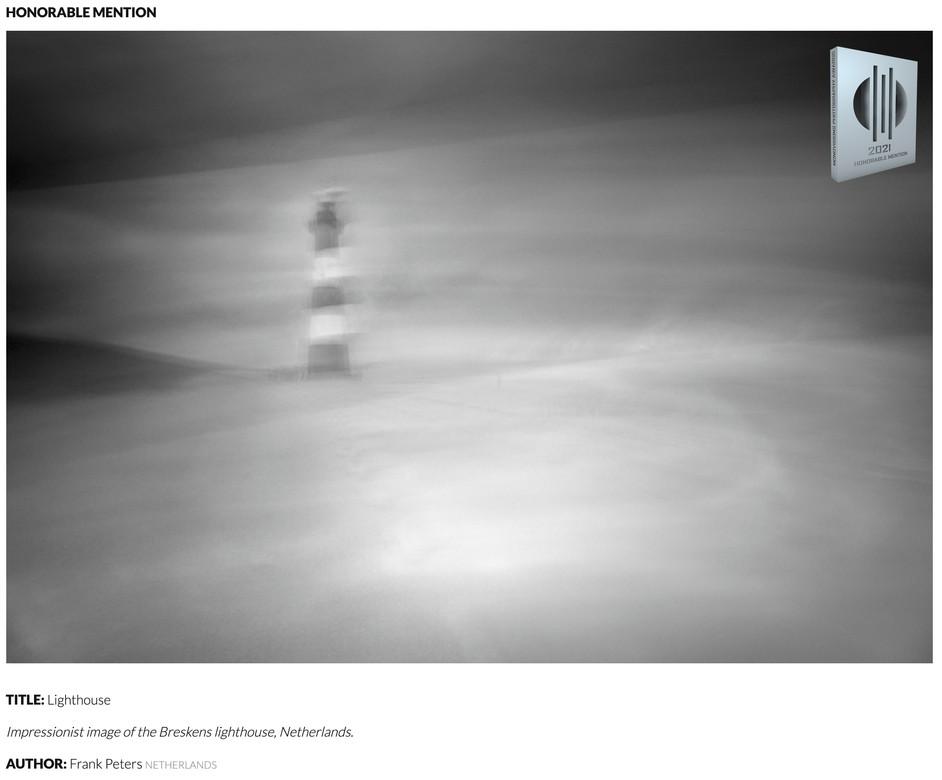 Awarded images in Minimalist and Monovision Photography Awards