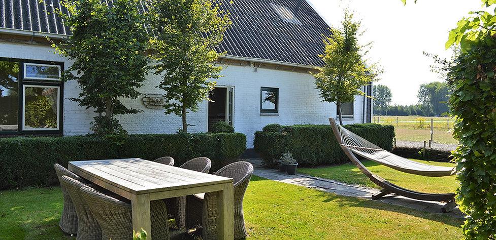 Tuin Bed and Breakfast, Zeeuws-Vlaanderen, Het Zoete Pèèrd