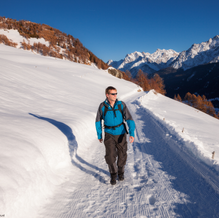 Winter Wanderweg, Ardez, Unterengadin, Switzerland
