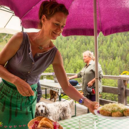 Cute Waitress, Steinzgeralm Hütte, Antholz Valley, Italy