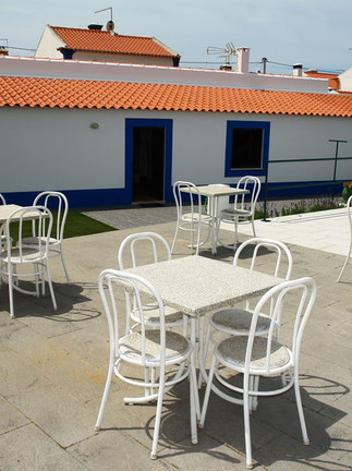 Nice outside terrace with dining tables