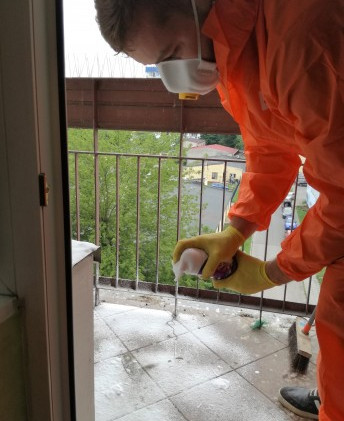 sprzatanie-i-dezynfekcja-balkonow-sprzat