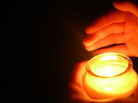 candle-1185874.jpg
