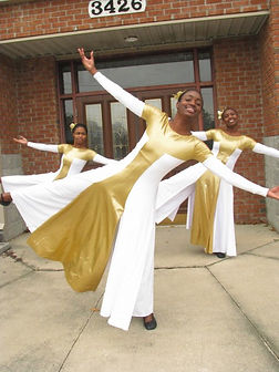 Snr-Dancers-leaning-447x596.jpg