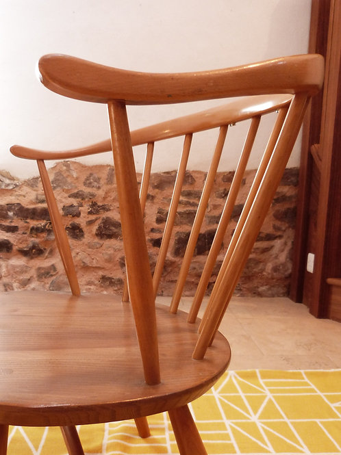 Ercol Windsor (338) Cowhorn Fireside Chair, Light Finish