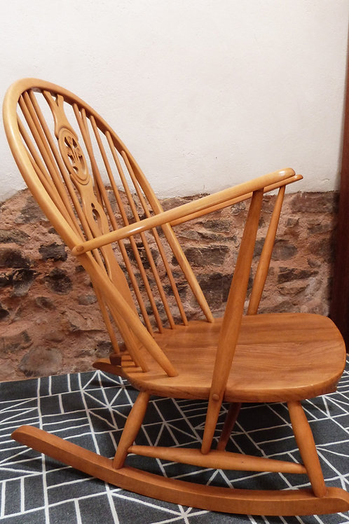 Ercol Windsor (318) Grandfather Fleur-de-Lis Rocking Chair, Light Finish