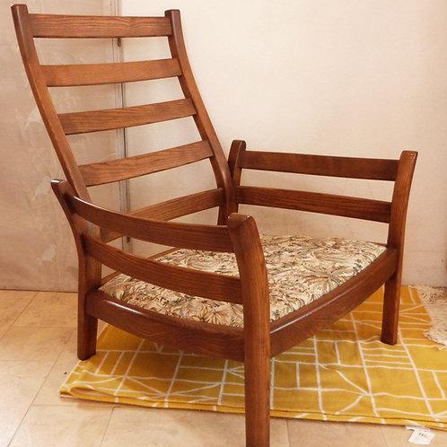 Ercol Saville (850) Easy Chair, Golden Dawn Finish