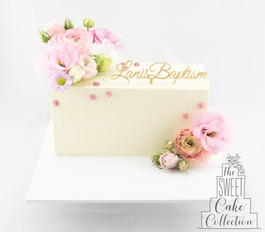 Smooth Buttercream with Flowers