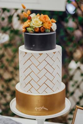 Fondant with Herringbone Detail and Flowers