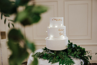 Fondant with Rose Gold Decoration and Fairy Lights