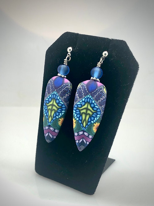 Complex blue garland earrings