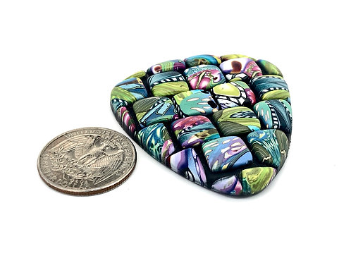 Mosaic triangle focal button