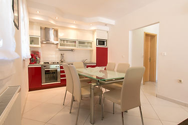 Holiday House Danka - Kitchen and dining rom