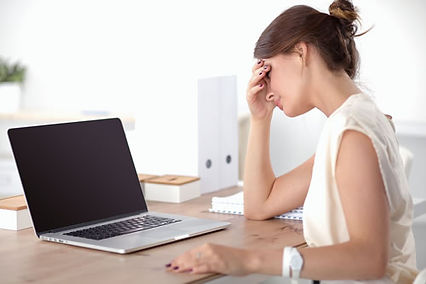 business-woman-frustrated-at-laptop.jpg