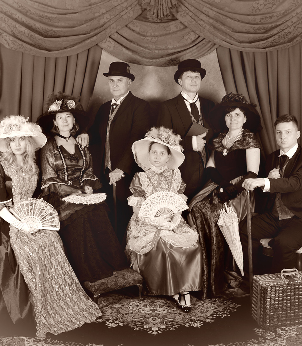 Victorian-Family.jpg