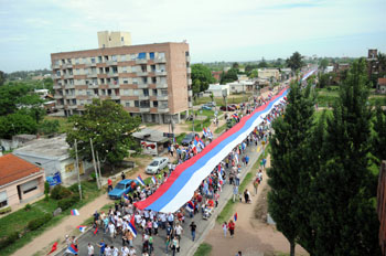 http://www.frenteamplio.org.uy/files/banderazo_portada