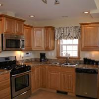 new9_kitchen.jpg