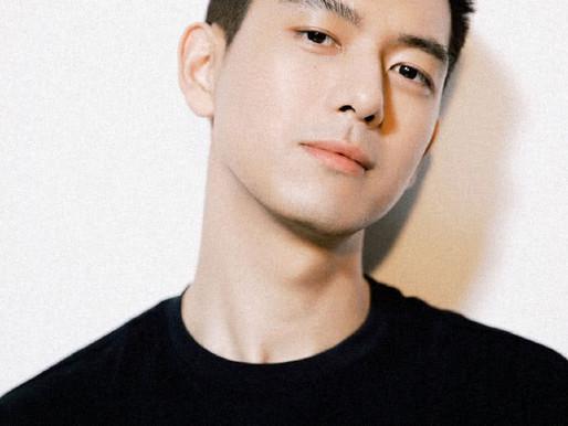 Li Xian shows new haircut