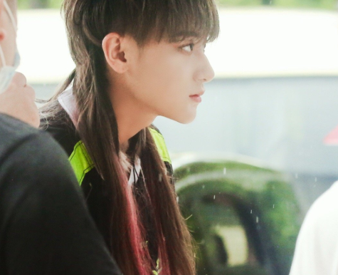 Huang Zi Tao latest pictures: new hair style!
