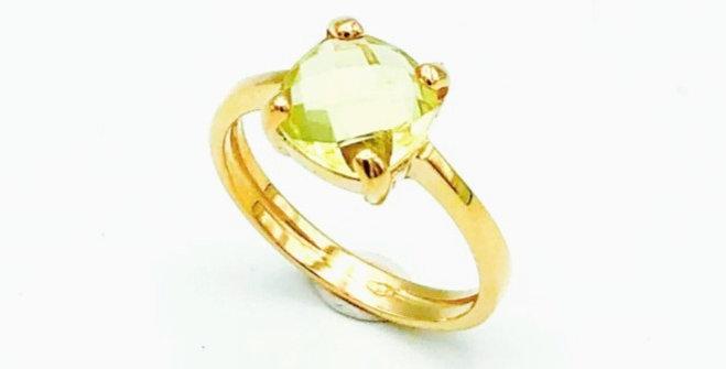14 krt. Geelgouden ring met gefacetteerde lichtgroene amethist