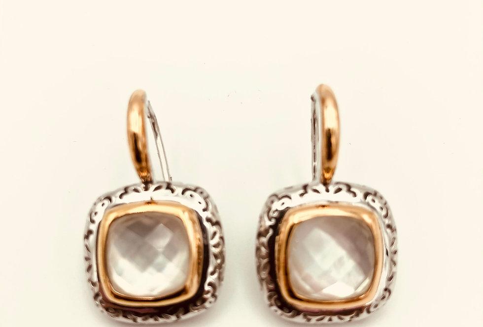 18 krt. Rosegouden oorbellen met zilver en parelmoer