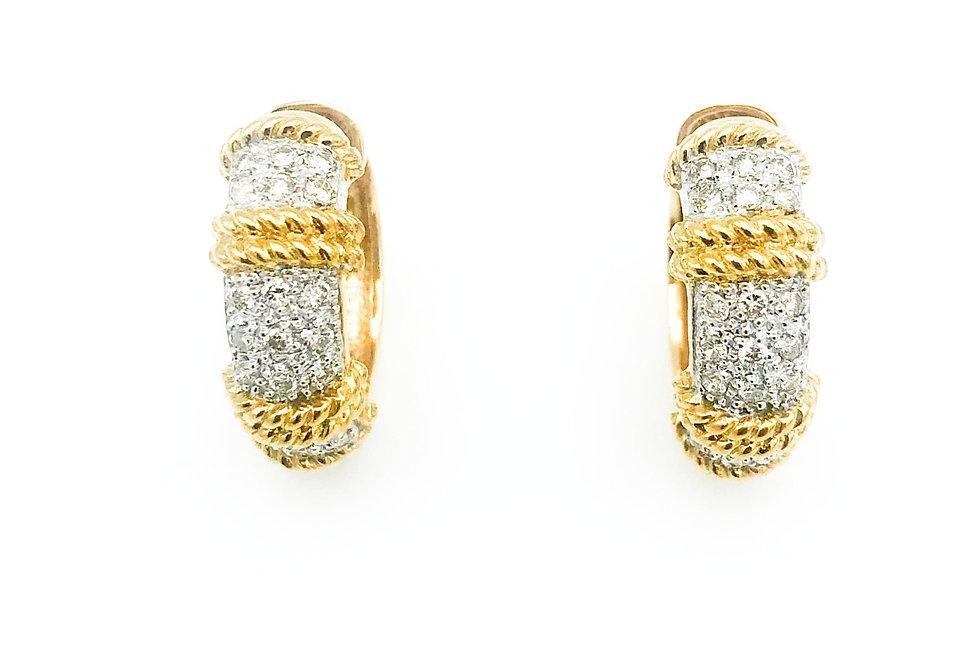 14 krt.Geelgouden oorringen met diamant