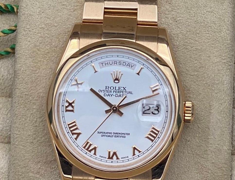 Rolex day date 118205 roségold uit het jaar 2000