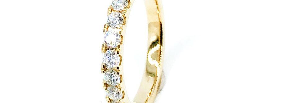 14 krt. Geelgouden alliance ring halfgezet met 13 briljant geslepen diamanten