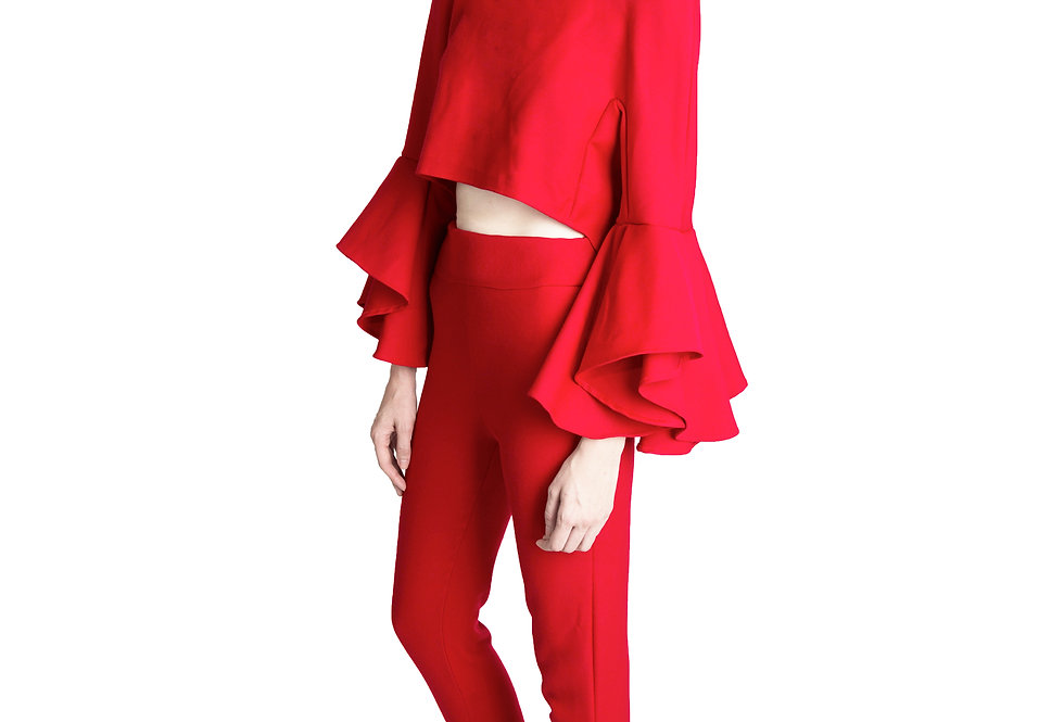 HIGH LOW CAPE TOP W/ TRUMPET SLEEVES
