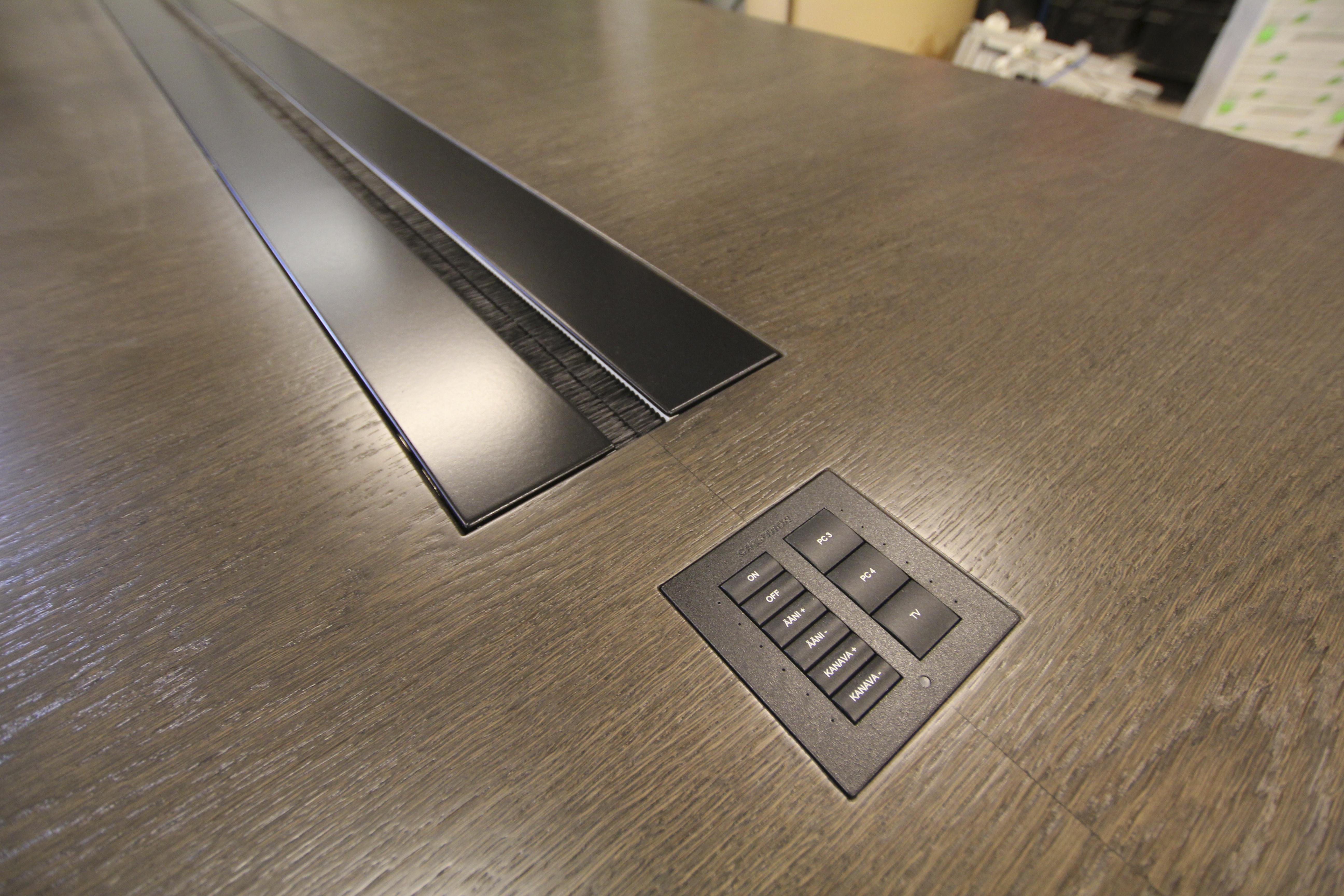 Neuvotteluhuoneen pöytä detalji