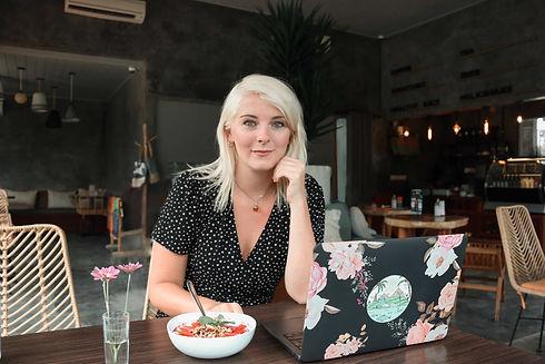 Scarlett Mansfield - Freelance Writer, H