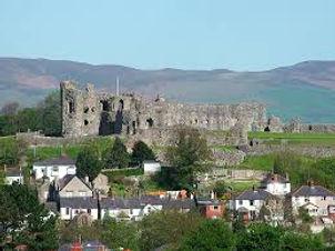 denbigh castle.jpg