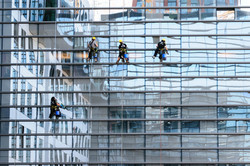 glass-facade-817732