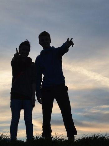 friendship-1176668_960_720 (2)_edited.jpg