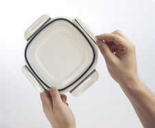 Container Lid Hands 1 - Agilus30.jpg