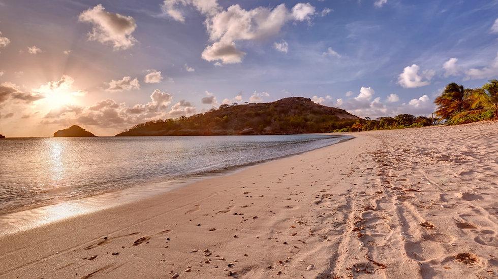 Royalton_Antigua_Beach_0007_LR.jpg
