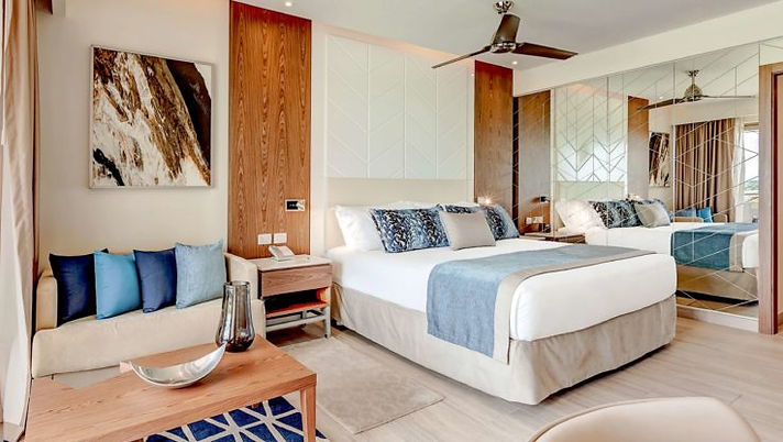 Royalton_Antigua_Luxury_Junior_Suite_Bay