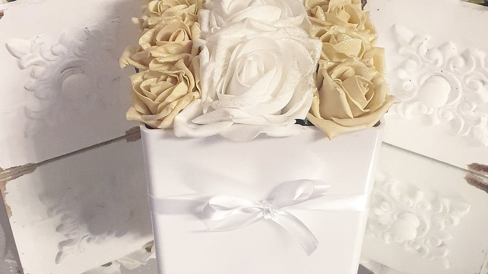 Fragranced Forever Flowers Cube White and Gold