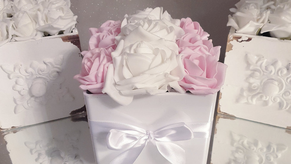 Fragranced Forever Flowers Cube White and Pink
