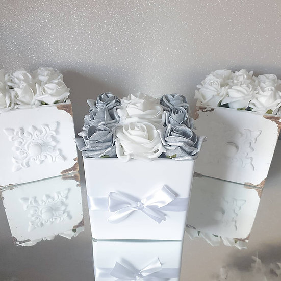 Fragranced Forever Flowers Cube White and Silver Gloss