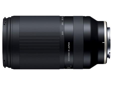 Tamron 70-300mm F/4.5-6.3全球同級鏡頭最細、最輕*