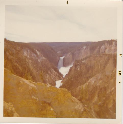 Yellowstone Falls 69.jpeg