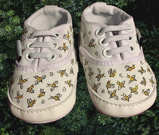 Shoe Custom: Bees