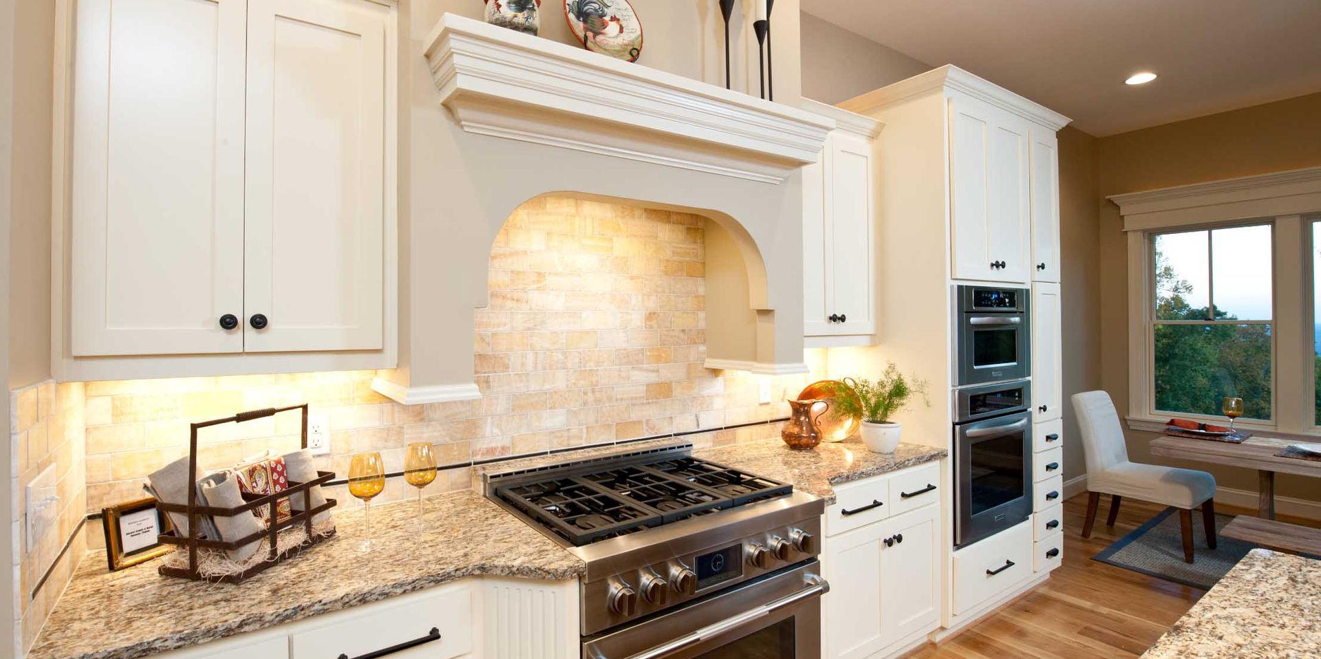AC 121 - Kitchen.jpg