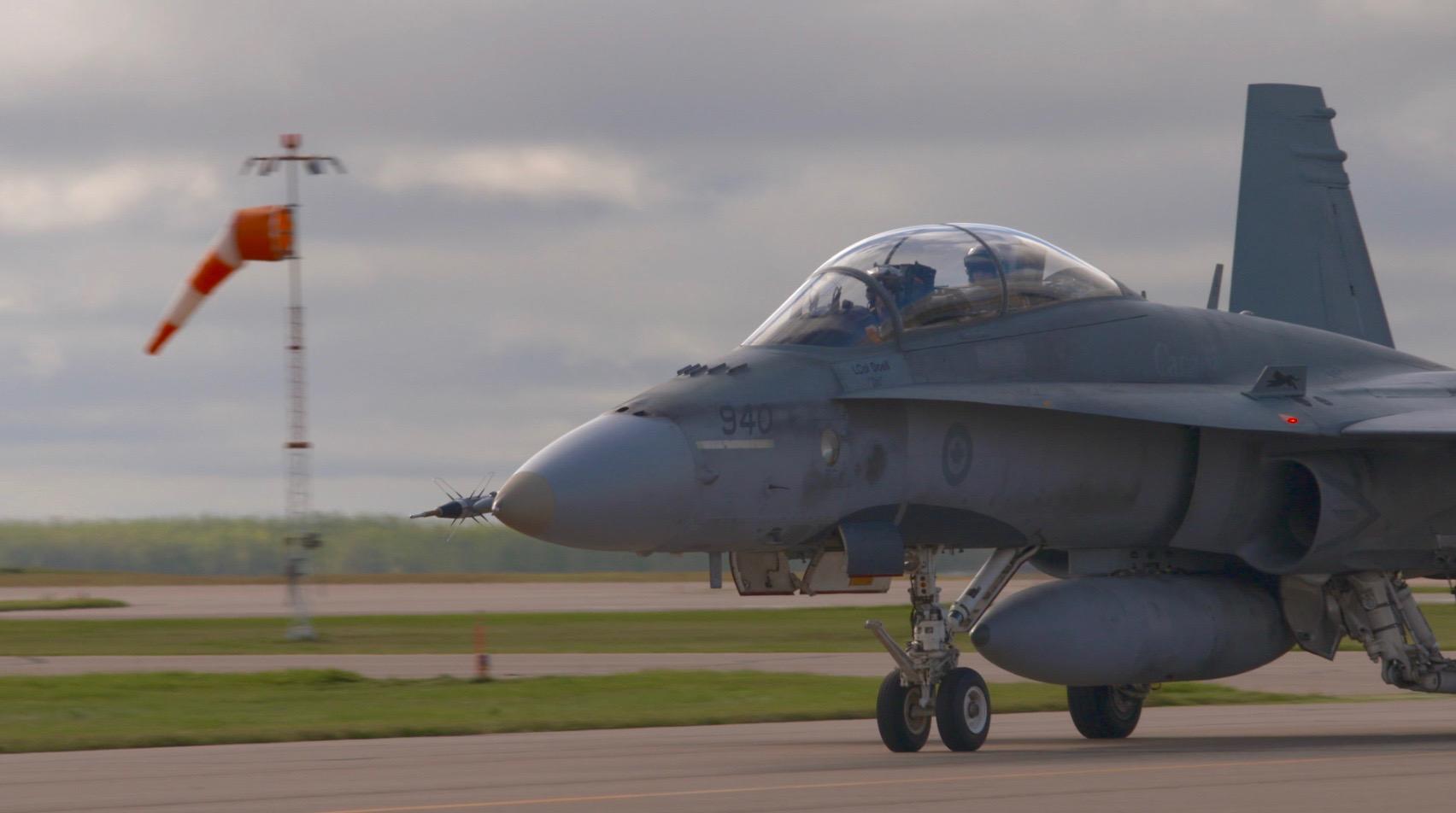 F18 Hornet Taxi