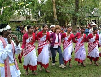 Jhumur Dance of the Tea Tribes