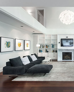 large-living-room-with-black-and-white-d