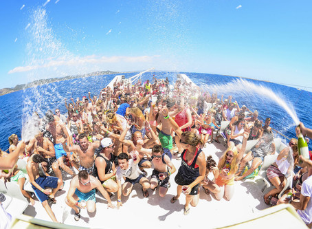 Your Guide to Throwing a Superb Yacht Party