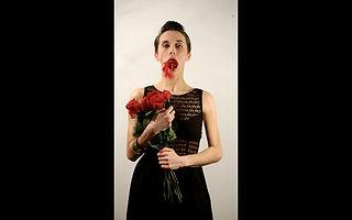 Laetitia Brighi, chorégraphe, danseuse, cours de danse à Paris 14eme.