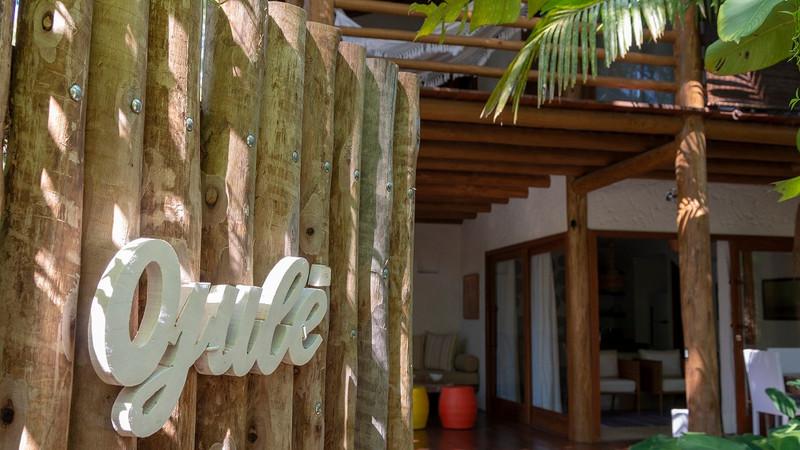 ETNIA CASA HOTEL